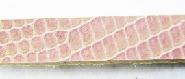 Leather bracelet basic, 6*1 mm, powder pink lacquer, snakeskin patterned, 5 pieces