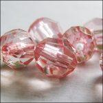 Műanyag fazettázott gyöngy