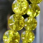 Crackle bead in festoon